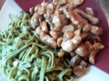 grüne Nudeln mit Geschnetzeltem - Rezept