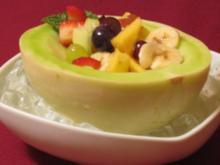 Melone mit Tequila-Obstsalat - Rezept