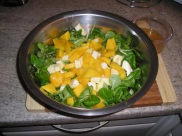 Feldsalat mit Mango und Mozzarella - Rezept