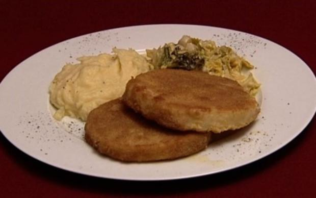 Sellerieschnitzel mit Schwarzwurzel-Wirsing-Gemüse und Trüffelpüree (Aline Hochscheid) - Rezept