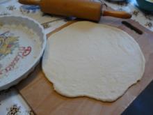 Hefeteig für Pizza und Zwiebelkuchen - Rezept