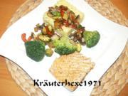 Safranreis mit Gemüseragout und Lachsfilet - Rezept