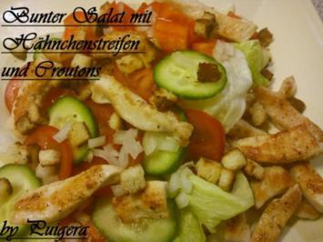 Rezept: Bunter Salat mit Hähnchenstreifen und Croutons