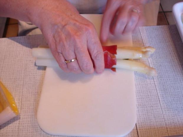 Spargel mit Schinken, Salbei und Parmesan - Rezept - Bild Nr. 11
