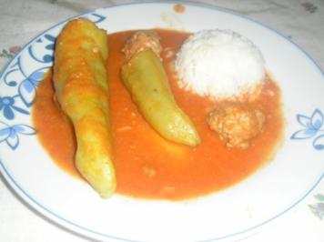 Ungarisches Töltött Paprika (gefüllte Paprika) - Rezept