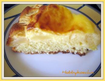 Omas Apfelkuchen mit Vanillepudding - Rezept