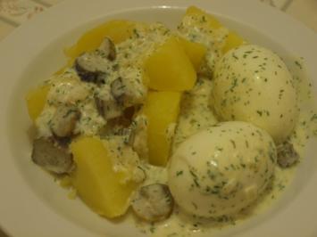 Eier in Käse-Dillsauce - Rezept