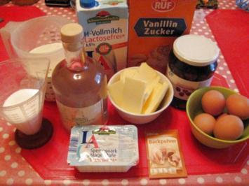 Gugelhupf mit Sauerkirschen - Rezept