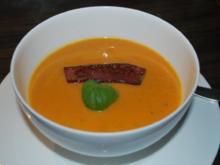Süßkartoffel-Möhren-Suppe mit Cabanossi-Streifen - Rezept