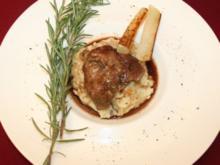 Geschmorte Kalbsbäckchen, dazu Pastinaken-Kartoffel-Trüffelpüree und Kohlrabigemüse - Rezept