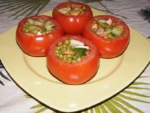 Erbsen-Gurken-Wiener-Salat aus der Fleischtomate - Rezept