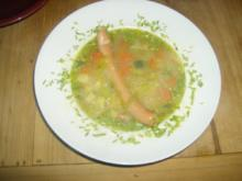 Gemüsesuppe mit Würstl - Rezept
