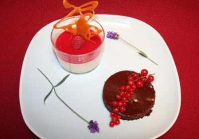 Rosmarin-Lavendel Panna Cotta und Schokoladentarte - Rezept