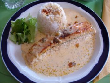 Lachs-Sahne Gratin mit Reis und Salat - Rezept