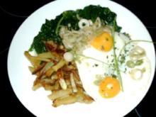 Striemchen-Kartoffeln mit Spiegeleier u.  frischem Spinat - Rezept