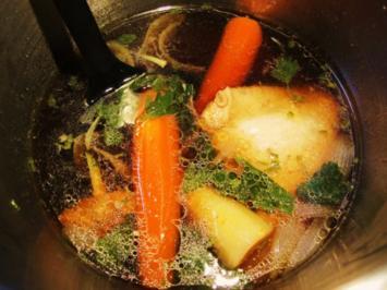 Rezept: Oma´s klare Hühnersuppe ...