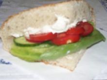 Fladenbrot mit Käsecreme und Gemüse - Rezept