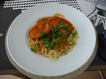 Pasta : Spaghetti mit Tomatensoße und Jagdwurst - Rezept
