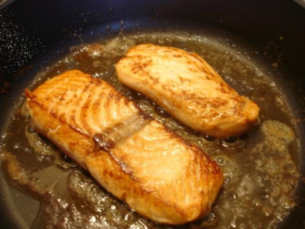 Lachsfilet mit Dillsauce, grünen Bohnen und Kartoffeln - Rezept - Bild Nr. 12