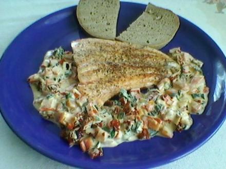 Lachs gebraten mit bunten Schmand - Rezept
