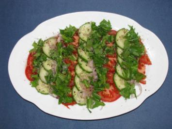 Salat: Gurken-Tomaten-Salat mit Rauke - Rezept