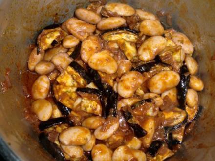 Gegrillte Aubergine mit weißen Bohnen - Rezept