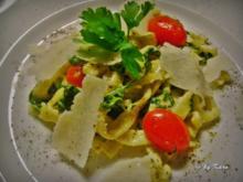 Pasta: Tagliatelle an Gorgonzola Parmesan Creme mit Blattspinat - Rezept