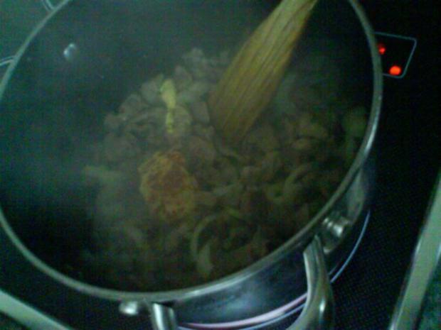 Gemüsiges Geschnetzeltes von Schwein und Rind mit in Nußbutter geschwenkten Kräuterknödeln - Rezept - Bild Nr. 5