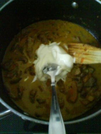 Gemüsiges Geschnetzeltes von Schwein und Rind mit in Nußbutter geschwenkten Kräuterknödeln - Rezept - Bild Nr. 8