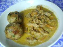 Gemüsiges Geschnetzeltes von Schwein und Rind mit in Nußbutter geschwenkten Kräuterknödeln - Rezept