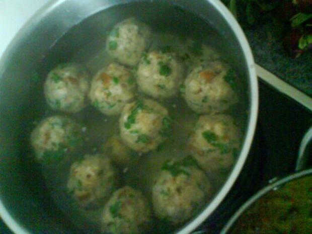 Gemüsiges Geschnetzeltes von Schwein und Rind mit in Nußbutter geschwenkten Kräuterknödeln - Rezept - Bild Nr. 13