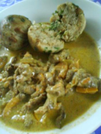 Gemüsiges Geschnetzeltes von Schwein und Rind mit in Nußbutter geschwenkten Kräuterknödeln - Rezept - Bild Nr. 15