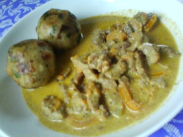 Gemüsiges Geschnetzeltes von Schwein und Rind mit in Nußbutter geschwenkten Kräuterknödeln - Rezept - Bild Nr. 17