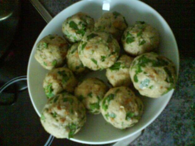 Gemüsiges Geschnetzeltes von Schwein und Rind mit in Nußbutter geschwenkten Kräuterknödeln - Rezept - Bild Nr. 12