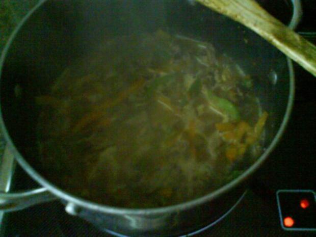 Gemüsiges Geschnetzeltes von Schwein und Rind mit in Nußbutter geschwenkten Kräuterknödeln - Rezept - Bild Nr. 7