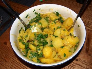 Hunsricker Grumbeeresalat                          (Kartoffelsalat aus dem Hunsrück) - Rezept