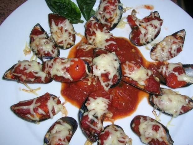 Miesmuscheln, gratiniert mit Salsa picante und Käse - Rezept - Bild Nr. 2