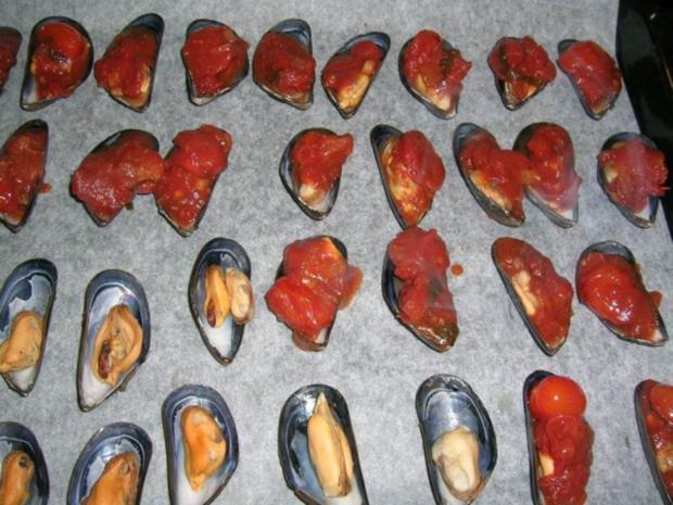 Miesmuscheln, gratiniert mit Salsa picante und Käse - Rezept - Bild Nr. 4