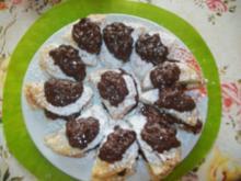 Schnelle Blätterteig - Halbmonde- mit Paradiescremefüllung - Rezept