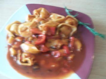 mediterane Gemüsepfanne mit Tortellinis - Rezept