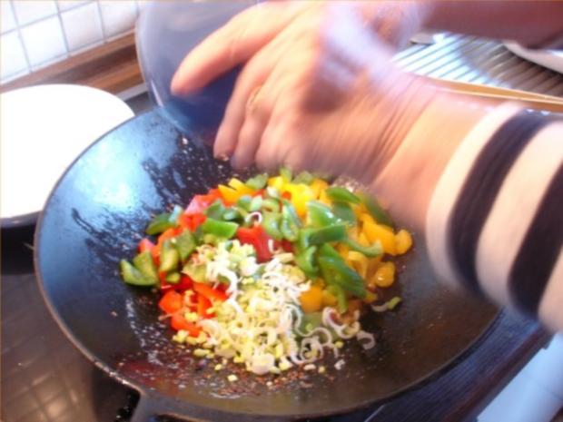 Fleischbällchen mit gemahlenen Mandeln und Gemüse süß-sauer - Rezept - Bild Nr. 22