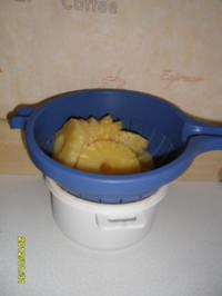 Rührkuchen mit Ananas mit Zuckerguss und Bunte Streusel - Rezept