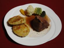 Chiemgauer Rinderlende mit Rotweinsoße, Kartoffelplatzerl und Marktgemüse (Oberbayern) - Rezept