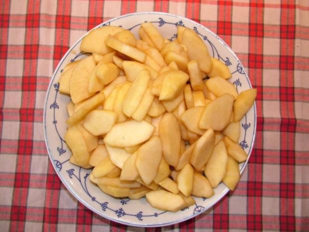 Schwäbischer Apfelkuchen mit Butter-Nuss Streussel - Rezept - Bild Nr. 2