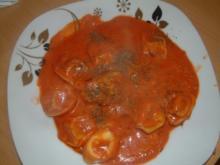 Tortellini in Tomate-Käse-Sauce - Rezept
