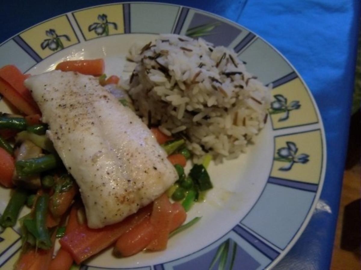 Steinbeißer auf Gemüsebett mit Reis - Rezept Gesendet von Babarjaga