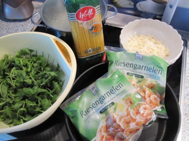 Garnelen im Spaghetti-Ruccola-Bett - Rezept - Bild Nr. 2