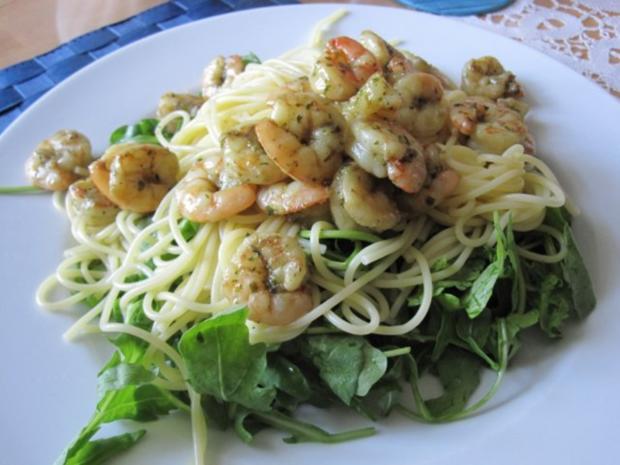 Garnelen im Spaghetti-Ruccola-Bett - Rezept - Bild Nr. 3