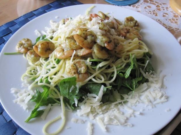 Garnelen im Spaghetti-Ruccola-Bett - Rezept