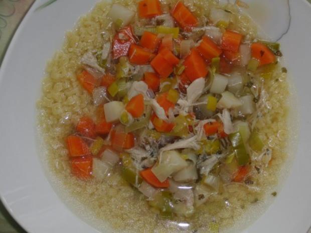 Suppe : Hühner-Eintopf mit Wintergemüse und Suppennudeln nach Wahl - Rezept - Bild Nr. 2
